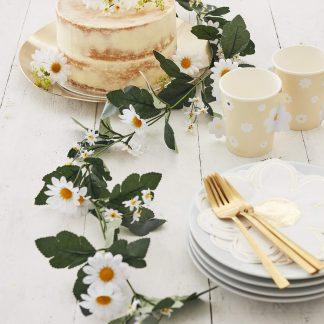 שרשרת פרחים לבנים